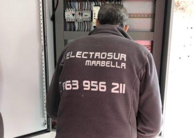 IMG 1430 1024x768 1 400x284 - CUADROS ELÉCTRICOS